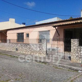 Casa à venda no bairro Grageru