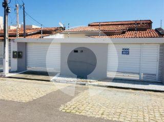 Casa à venda no bairro Aeroporto