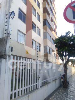 Apartamento à venda no Edifício Pituba