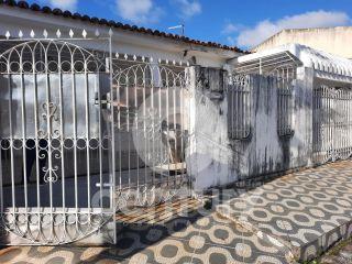 Casa à venda no bairro Orlando Dantas