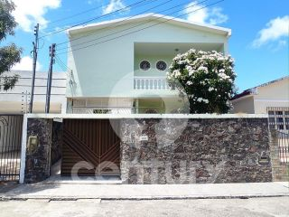 Casa à venda no bairro Getúlio Vargas